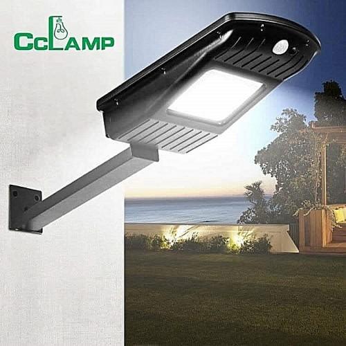 Външна LED Лампа със соларен панел CL-110  30W с датчик за движение